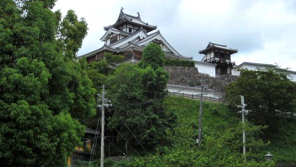 福知山城を見上げる