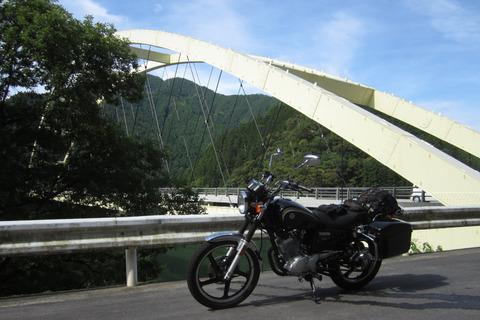 出合ゆず大橋とYB125SP