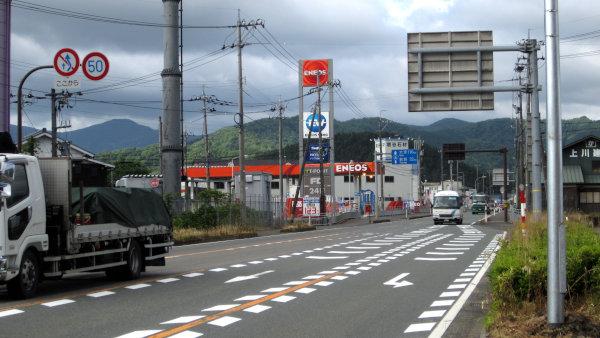 敦賀方面の山越え区間へ向かう国道8号線